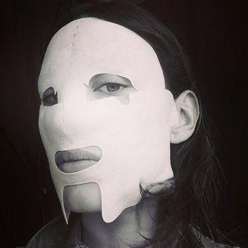alexa-chung-face-mask-square-w352