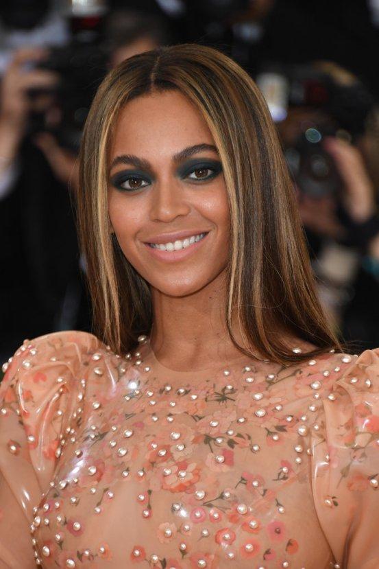 MET - Beyonce-Makeup-Hair-Met-Gala-2016