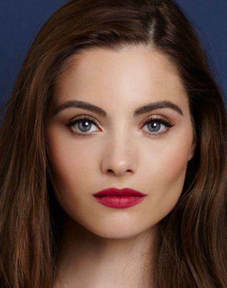 the-queen-model-shot