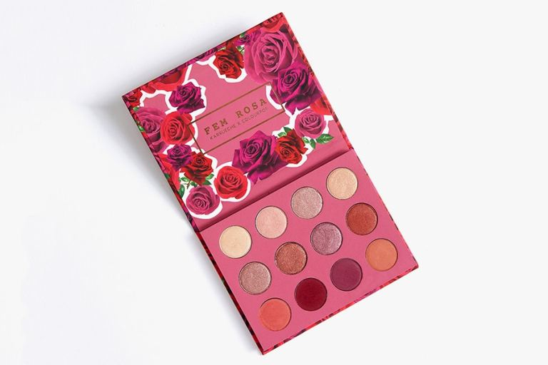 https3a2f2fbae-hypebeast-com2ffiles2f20172f072fkarrueche-tran-colourpop-2017-makeup-collaboration-3