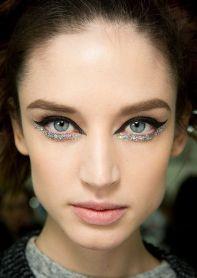52b570297a7faeb0d056dbc347dc0afd-chanel-beauty-beauty-makeup