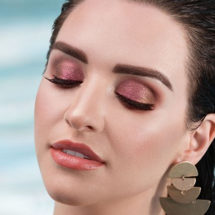 1599-ros-high-tides-good-vibes-eyeshadow-palette-model-alt