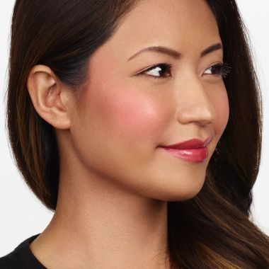 236-amazonian-clay-12-hour-blush-natural-beauty-rosy-red-ac-model-1_alt