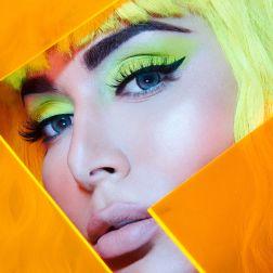 huda-beauty-neon-24-04-20190592_v4-final_2